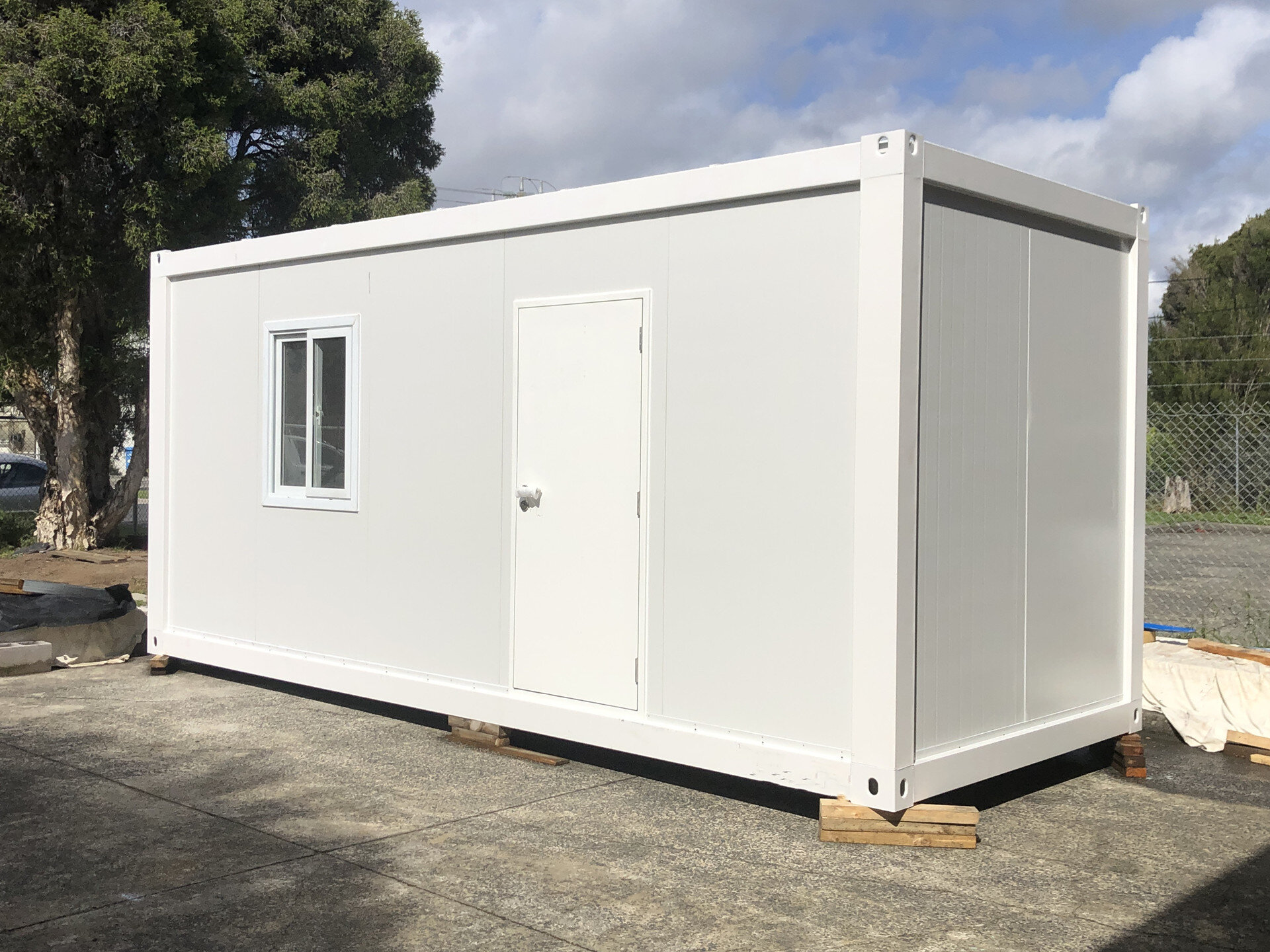 Flatcuby Lite container house